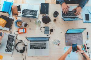 Teamwork für besten Erfolg bei der Digitalisierung dank Überbrückungshilfe III